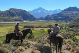 Chile patagonia aysen carretera austral chalet cerro castillo horse riding