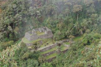 Peru machu picchu ruins near chaquicocha