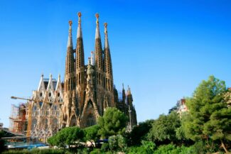 Spain guide barcelona sagrada familia