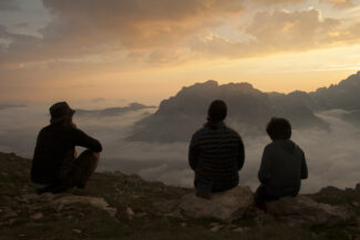 Spain leon picos de europa jermoso sunset family