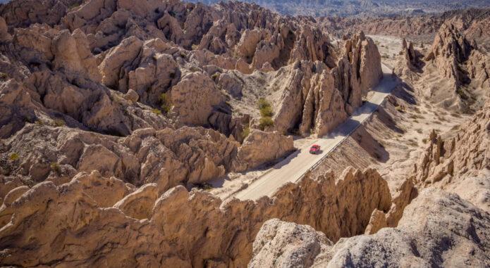 Argentina salta road through salta