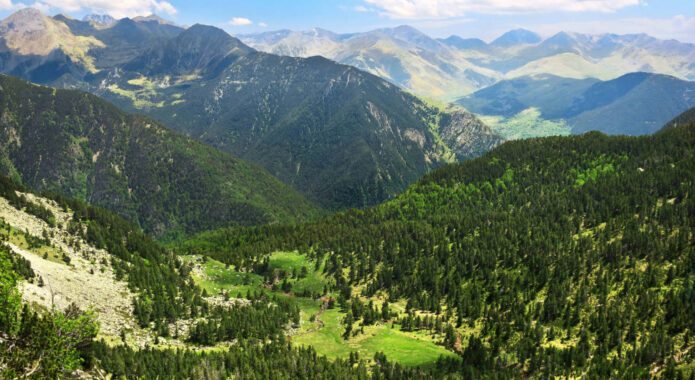 Spain pyrenees amazing view of valley in national park aiguestortes in spain