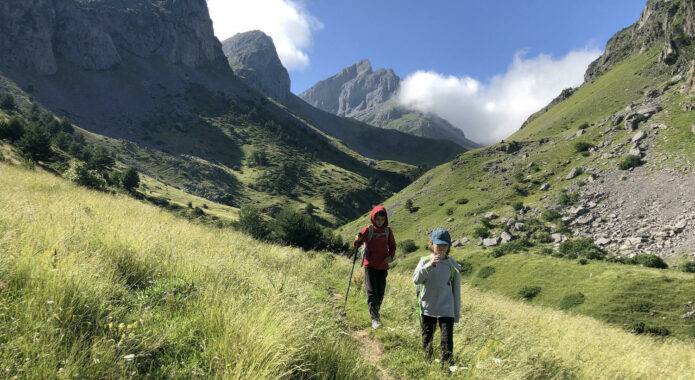 Spain pyrenees family hiking kids mountains c senderos ordesa