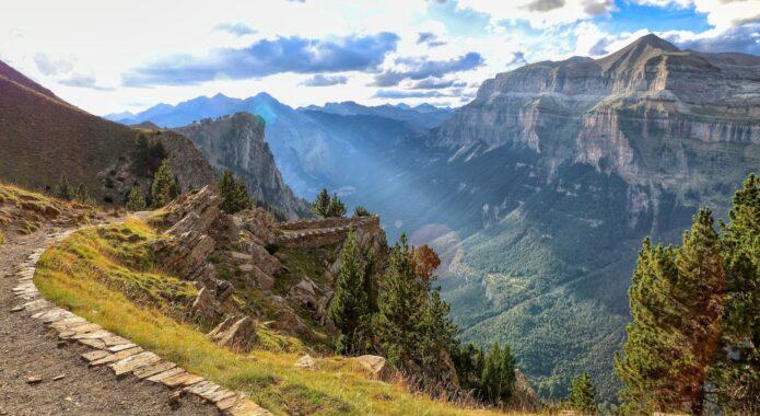 Spain pyrenees ordesa viewpoint pixabay