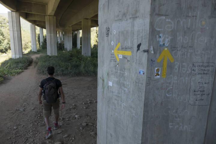 Portugal minho caminho ponte de lima hiker highway 2 c diego pura