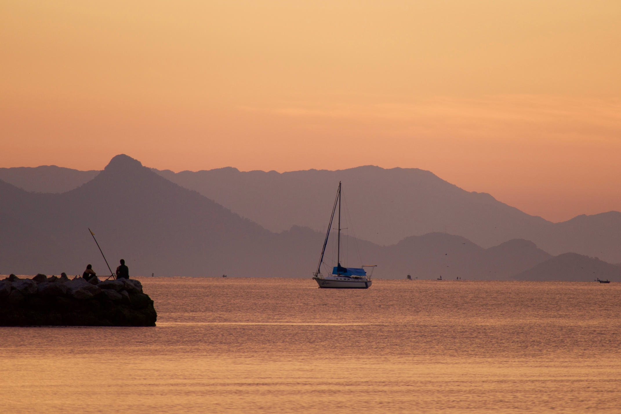 Brazil paraty sunrise over bay copyright pura aventura thomas power
