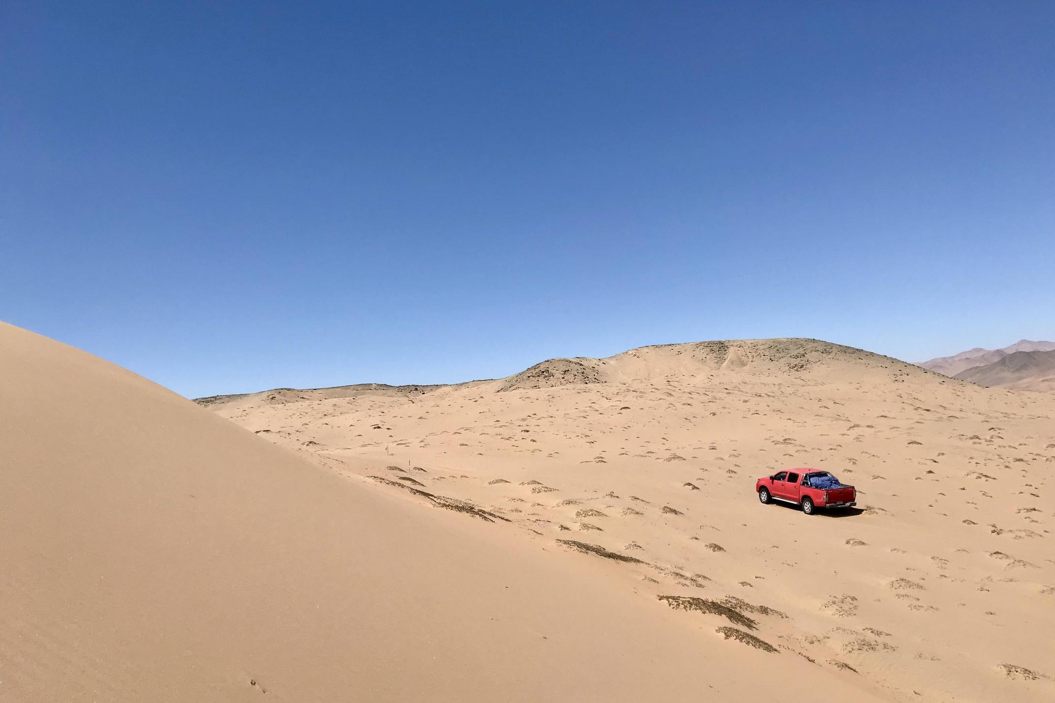 Chile atacama copiapo mar de dunas exploring by pickup c tom power