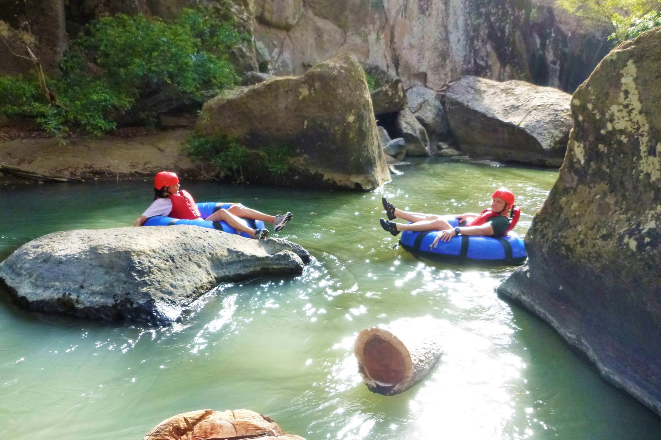 Costa rica tenorio rio perdido relaxed tubing float on rio blanco