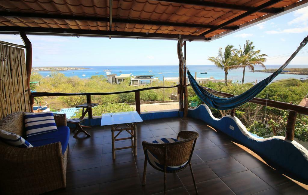 Galapagos play mann hammock c hotel