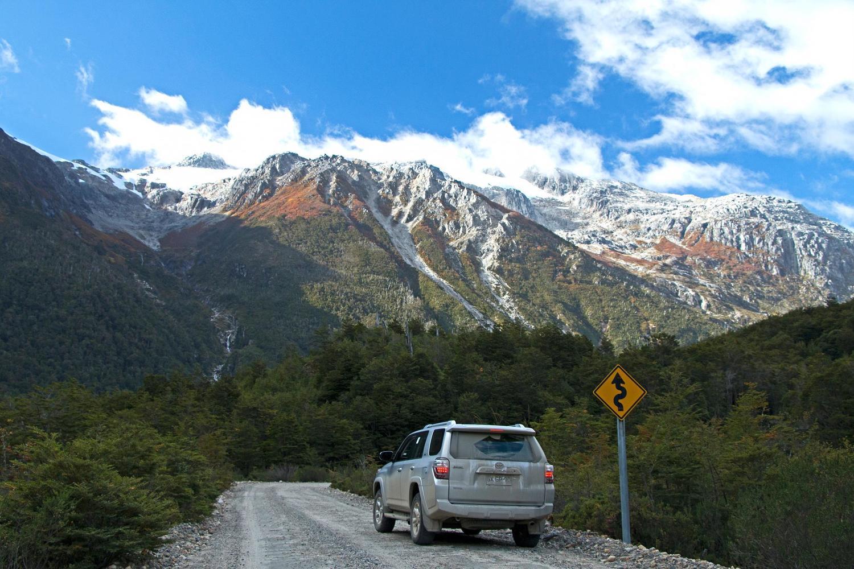 Driving along Exploradores Valley