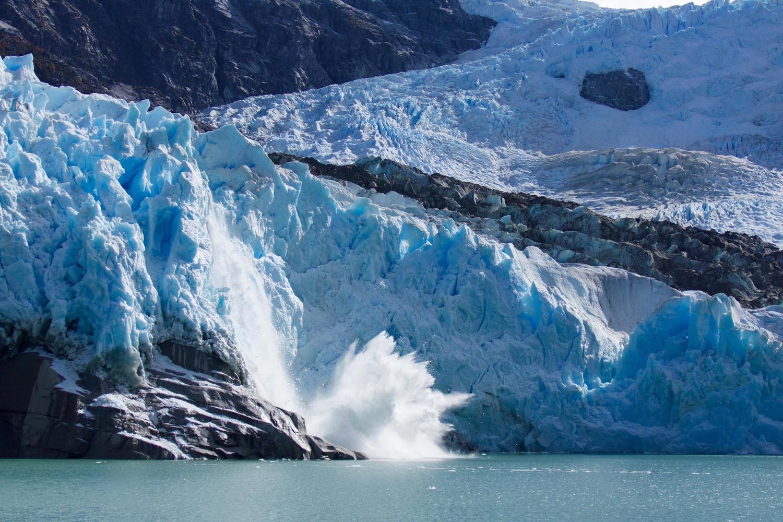 Ice calving off the Leones Glacier