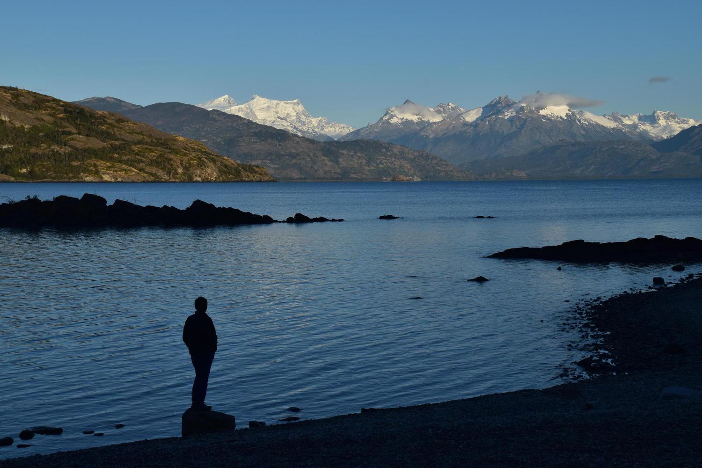 Contemplating Lago General Carrera