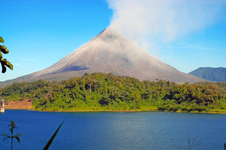 costa-rica-arenal-arenal-volcano-costa-rica