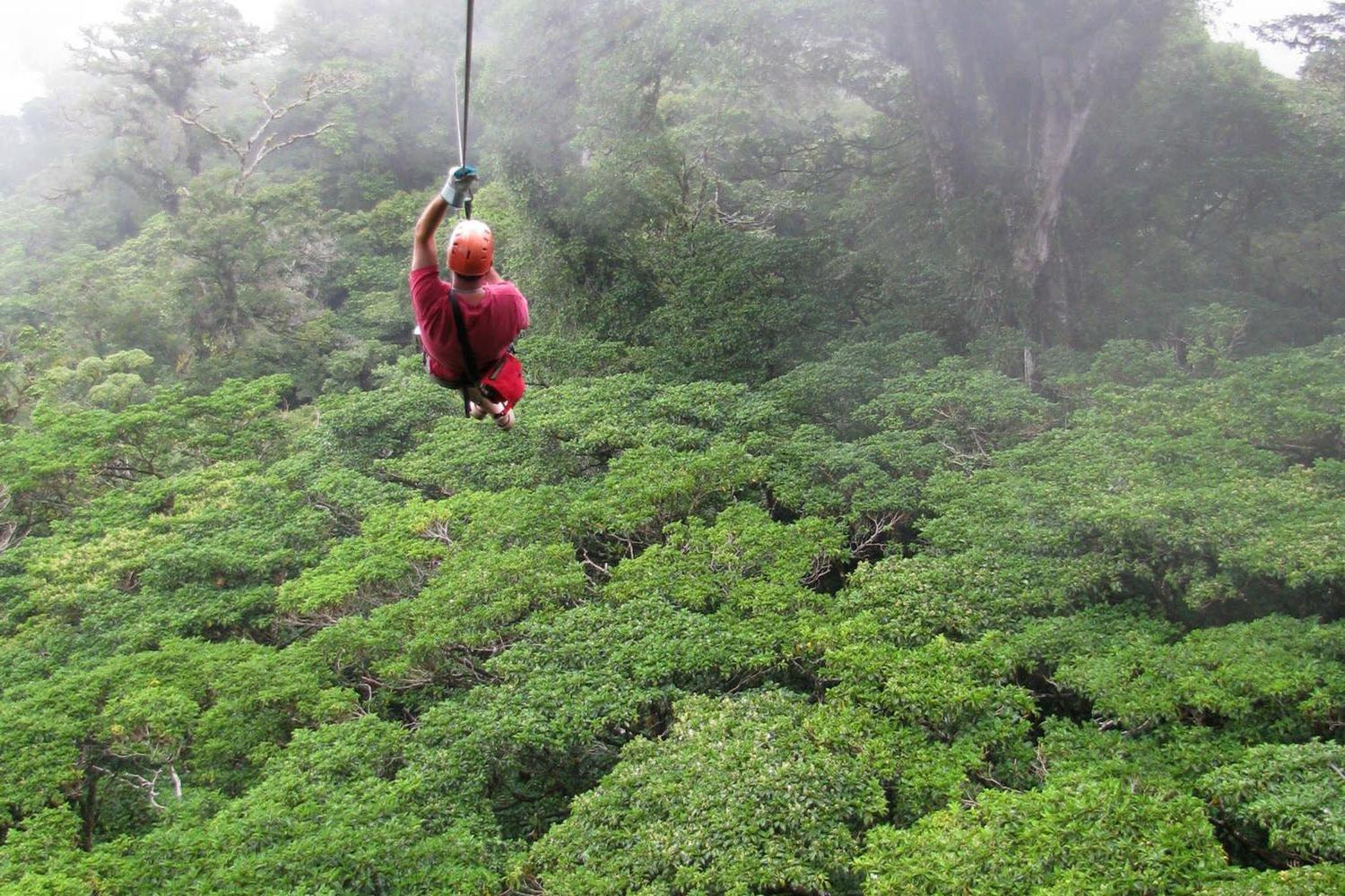 costa-rica-monteverde-man-ziplines-though-the-cloud-forest