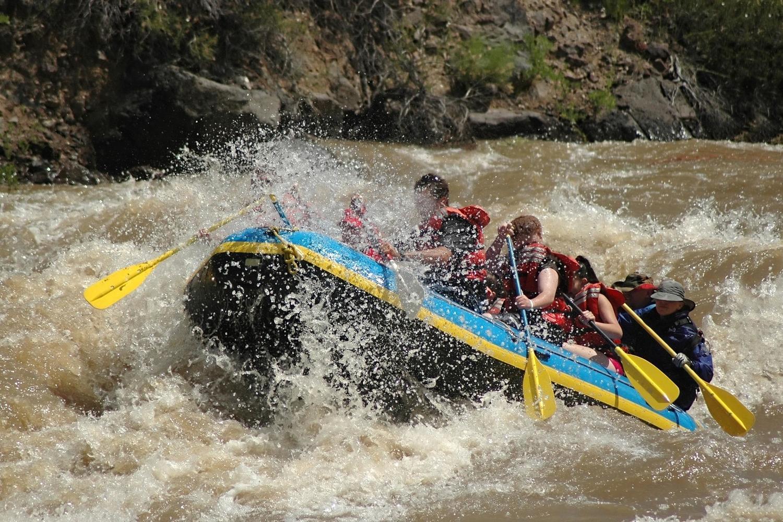 peru-cusco-urubamba-rafting-c-izoneguy