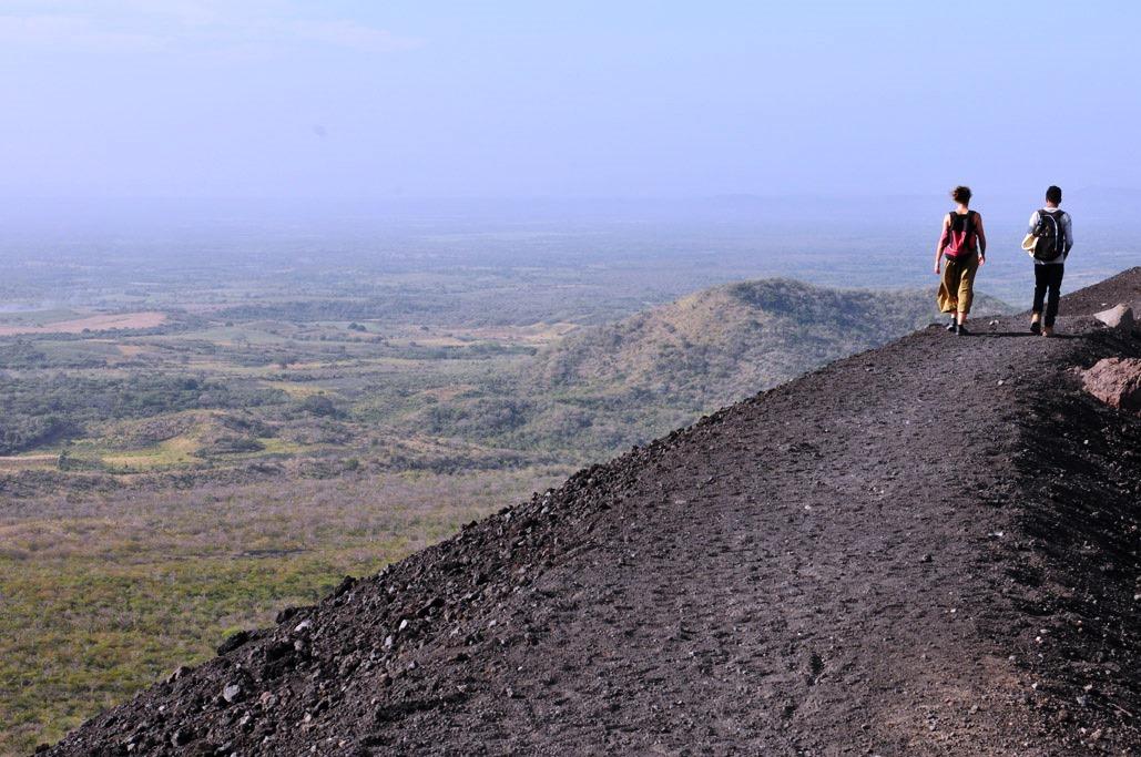 Nicaragua leon cerro negro hike c vapues5