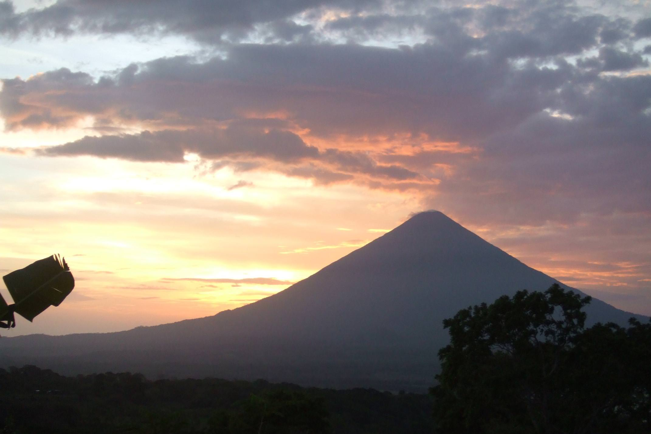 Nicaragua ometepe sunset over maderas volcano