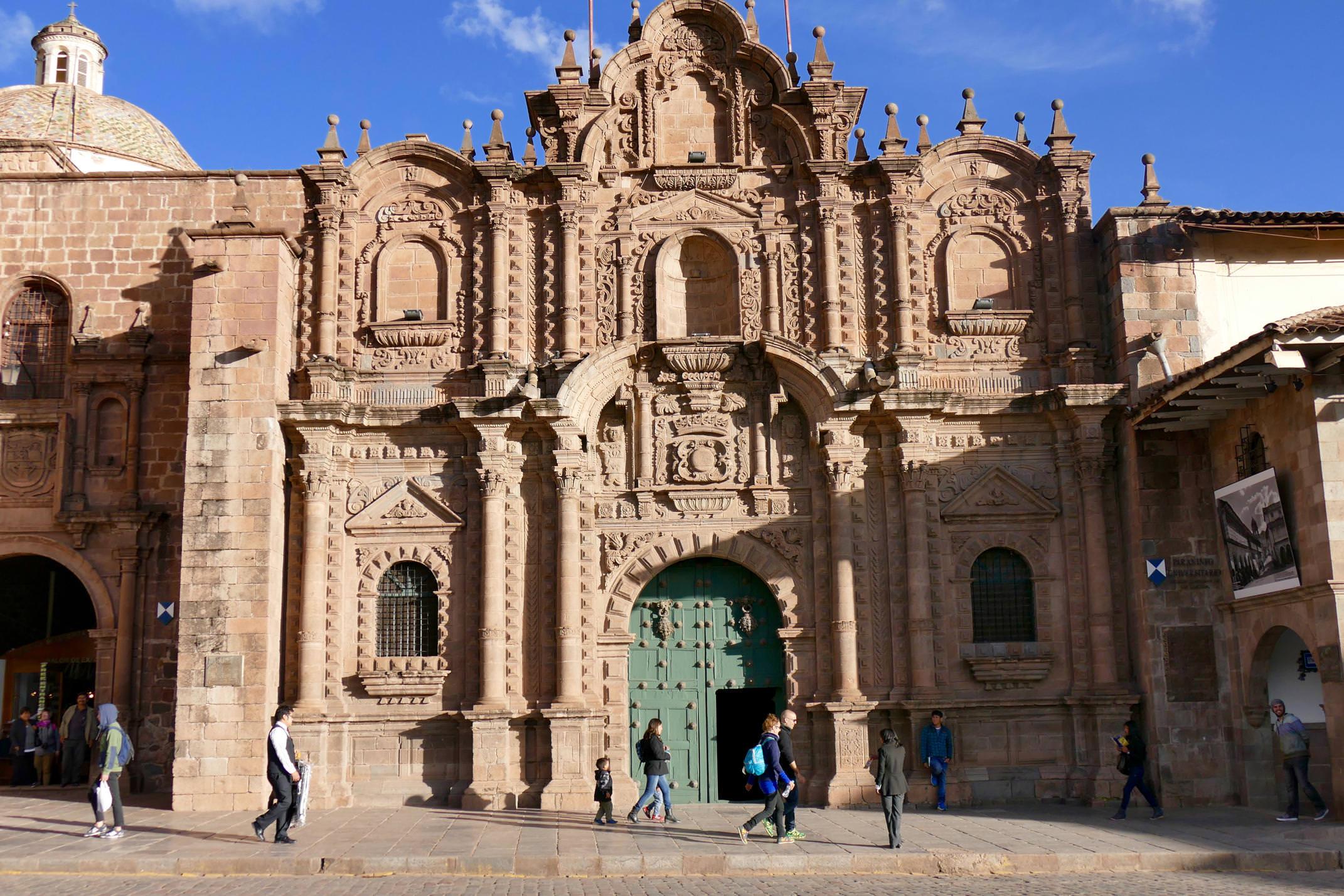 Peru cusco plaza de armas church
