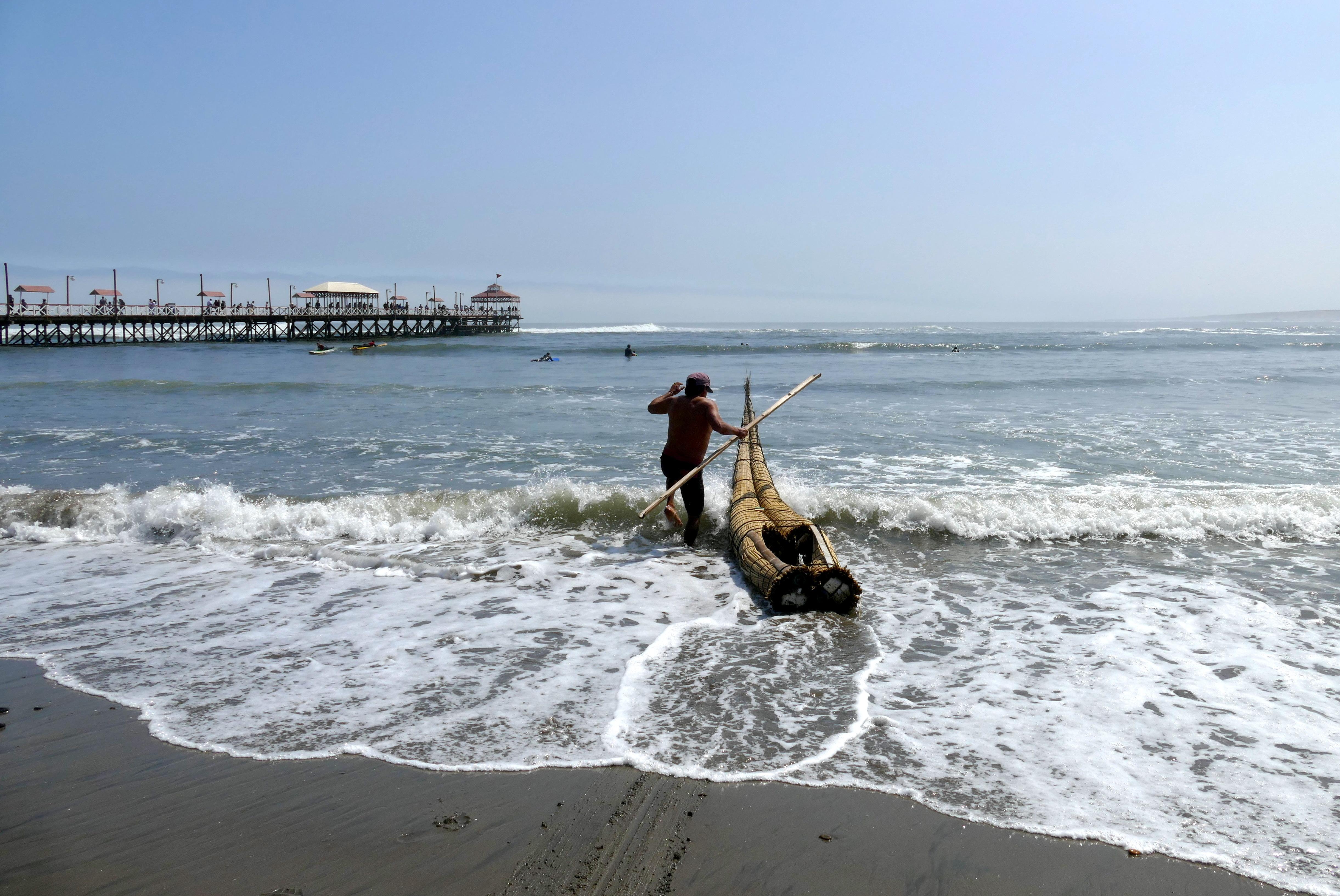 Peru pura aventura tortura reed fishing boat huanchaco 9