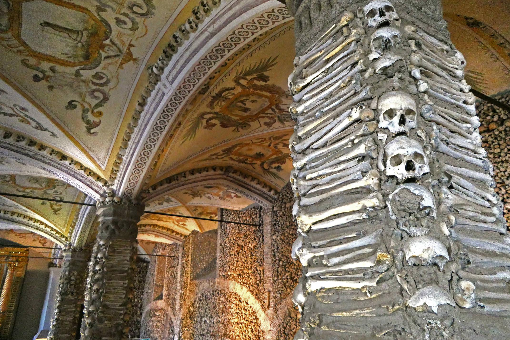 Portugal alentejo evora capela dos ossos detail c diego
