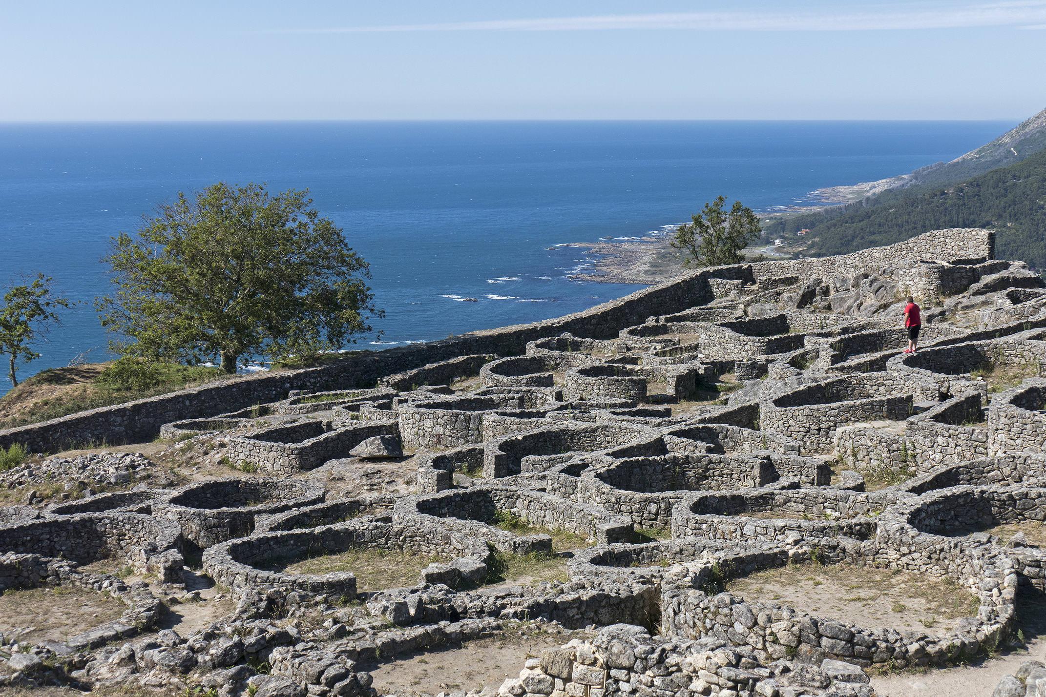 Spain galicia aguarda minho santa tecla iron age c diego pura