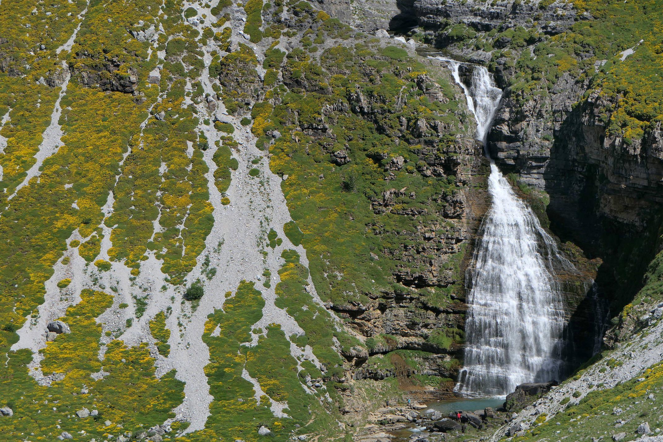 Spain huesca aragon pyrenees ordesa cola de caballo waterfall scree mirror c diego