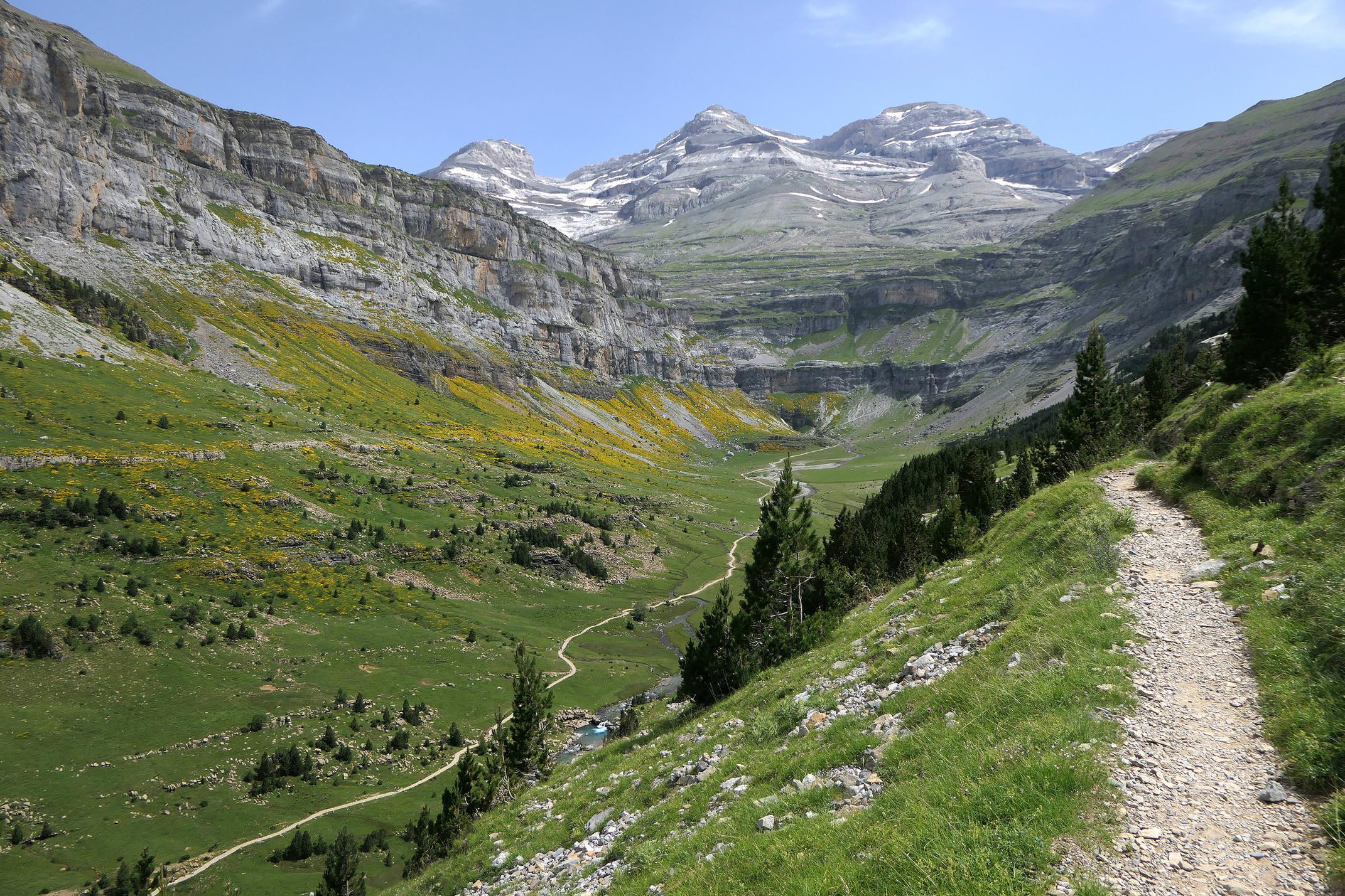 Spain huesca aragon pyrenees ordesa empty trail upper valley monte perdido from faja pelayo c diego