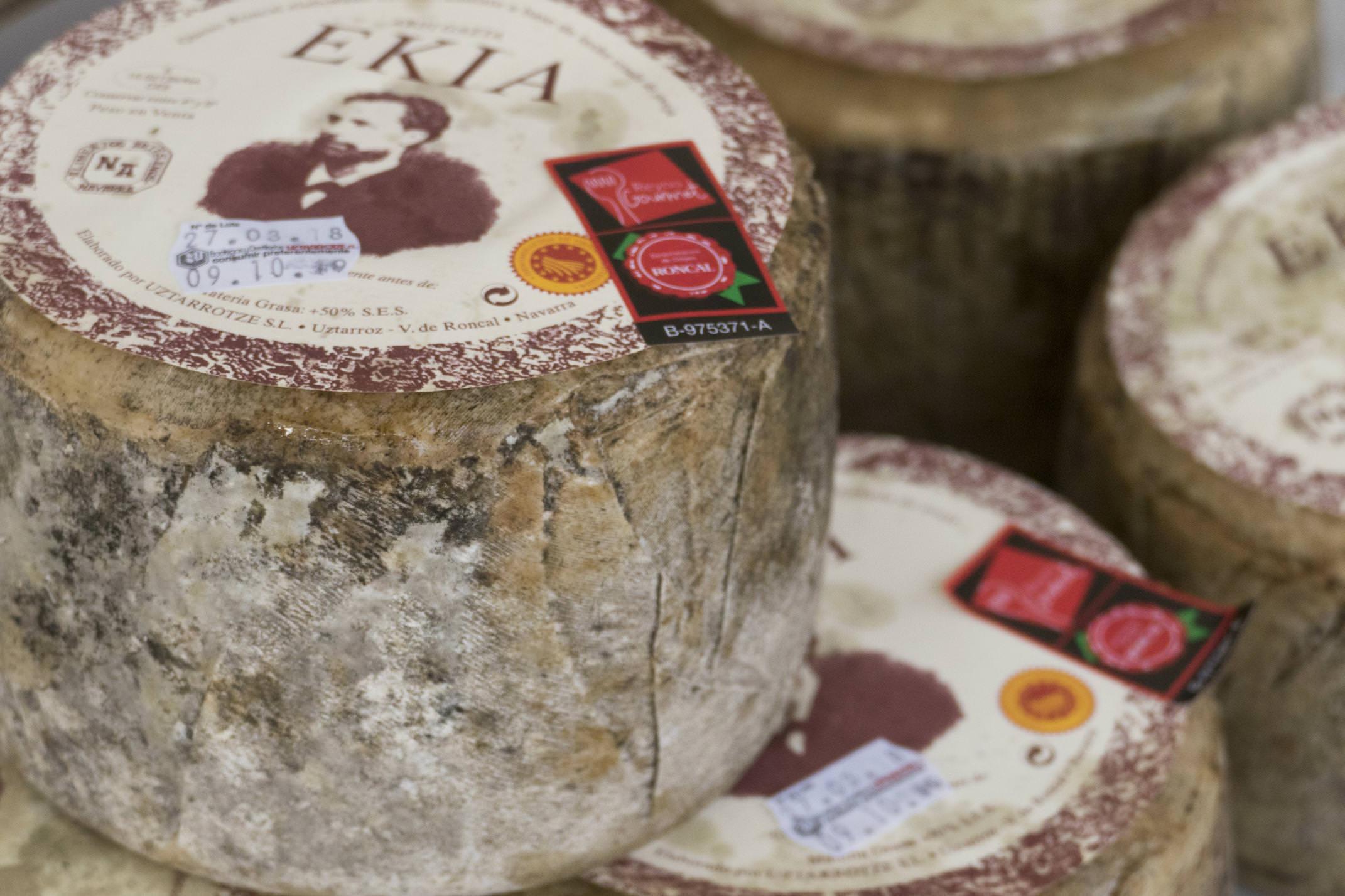 Spain navarre basque roncal cheese market c diego