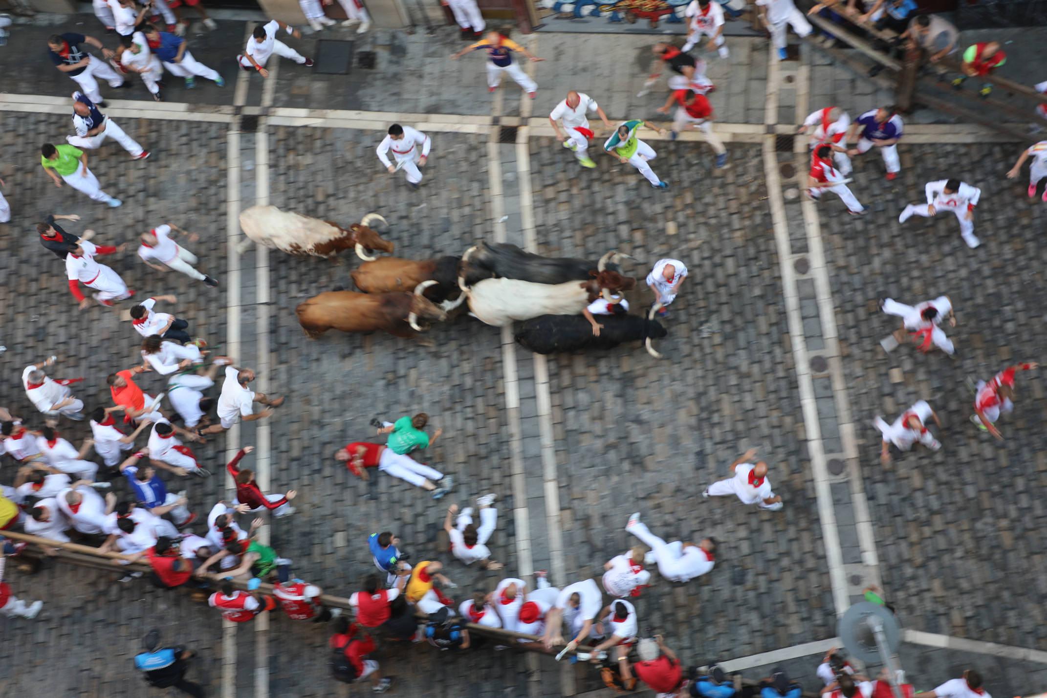 Spain navarre pamplona san fermin running bulls balcony estafeta
