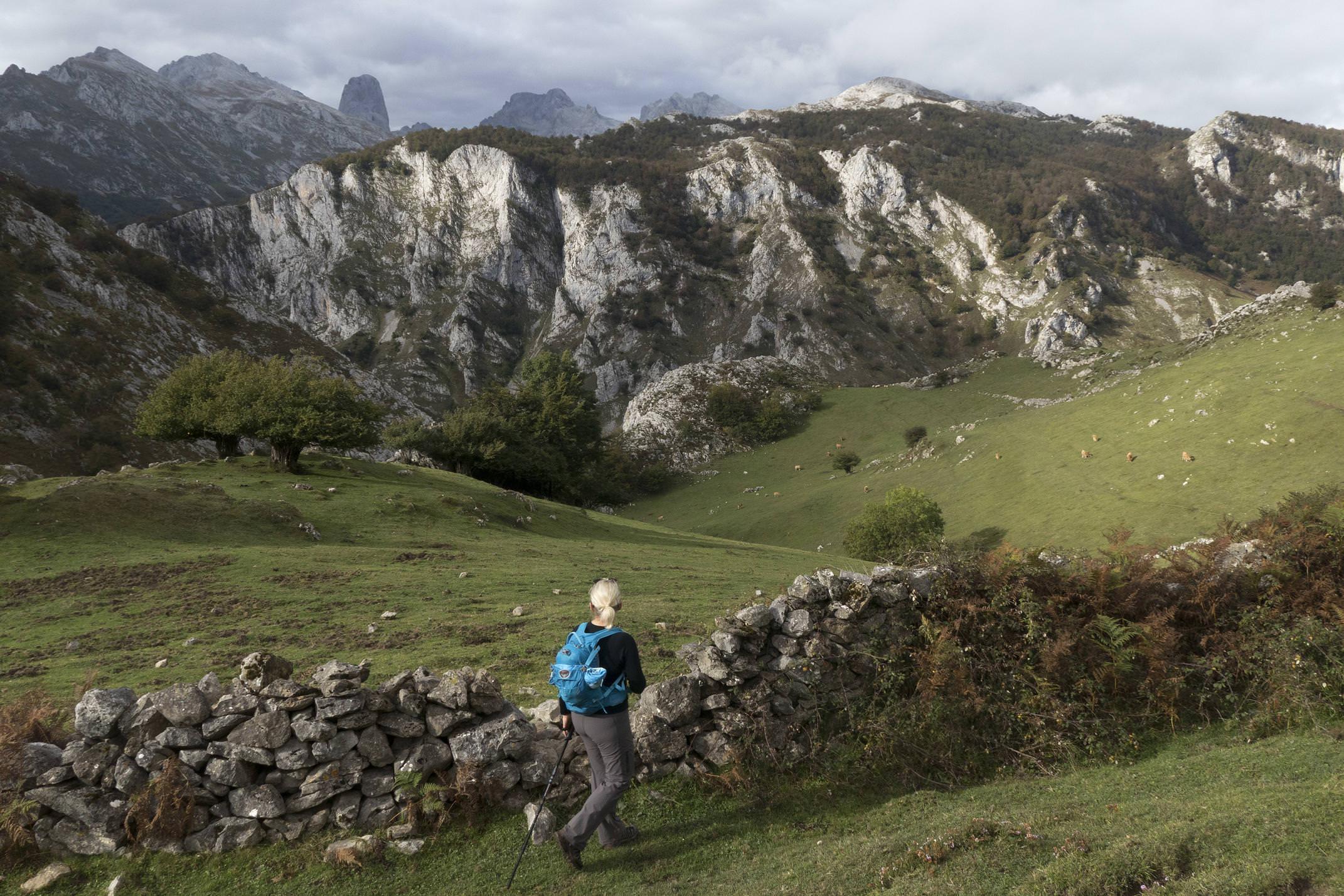 Spain picos de europa asturias cabrales caoru roman route urriellu naranjo valfrio hiker c diego