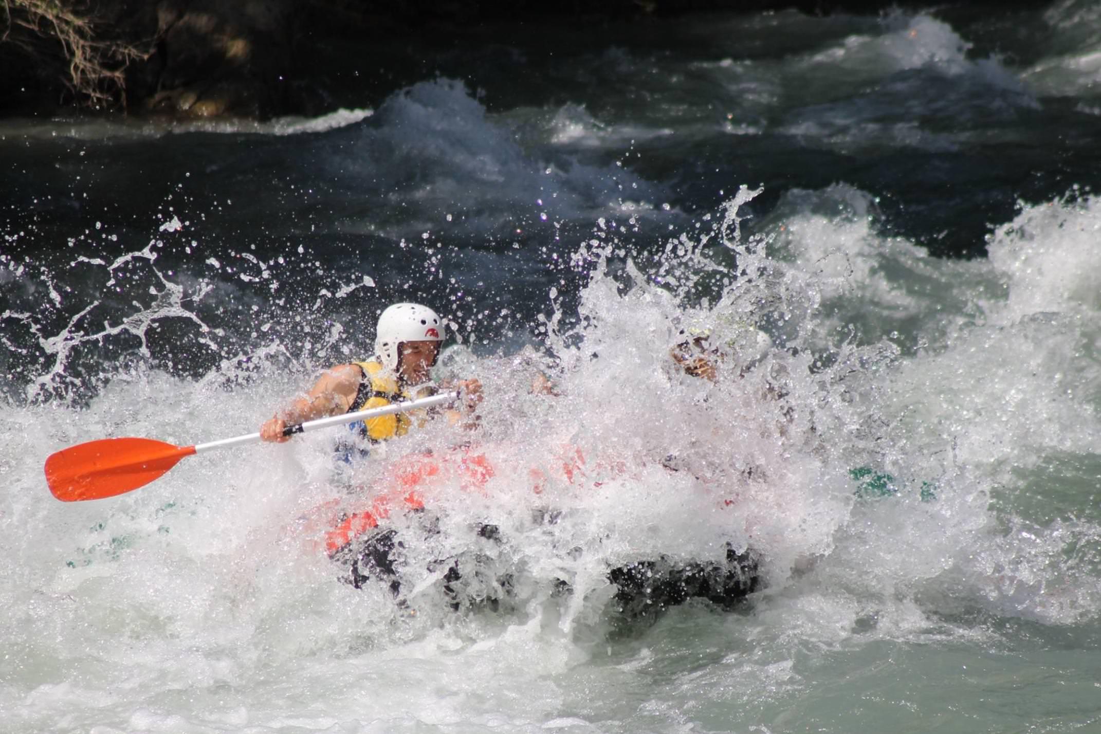 Spain pyrenees ainsa canoa raft sarratillo