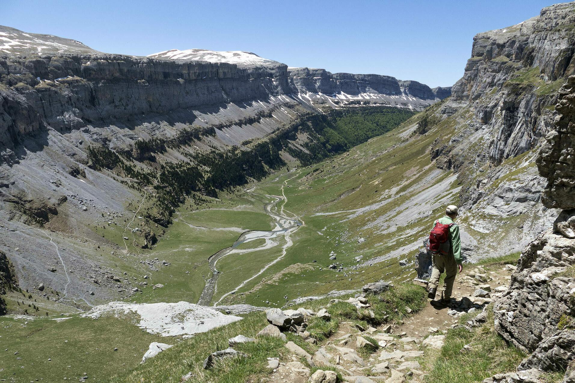 Spain pyrenees huesca ordesa circus arazas valley c diego pura aventura