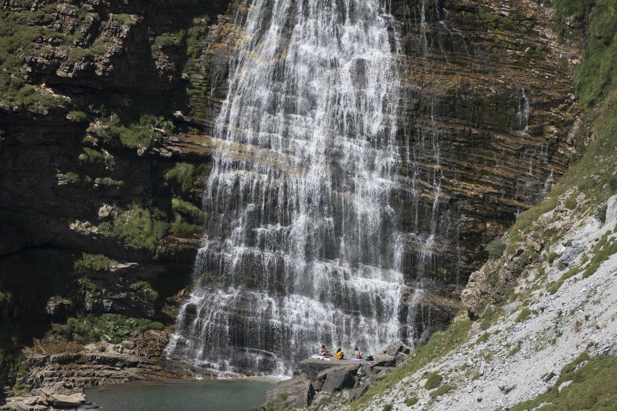 Spain pyrenees ordesa cola de caballo waterfall
