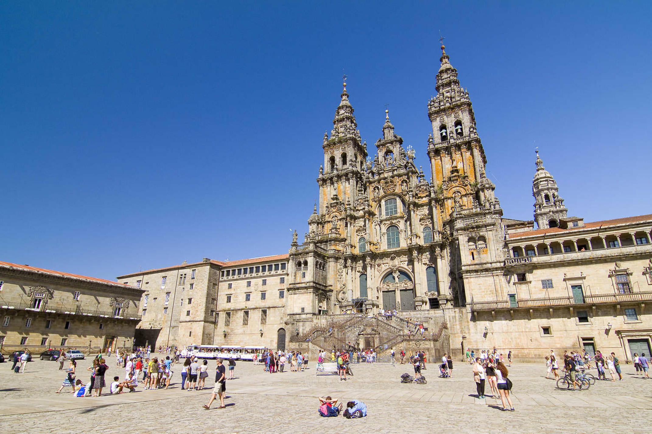 Spain santiago de compostela view of obradoiro square and cathedral of santiago