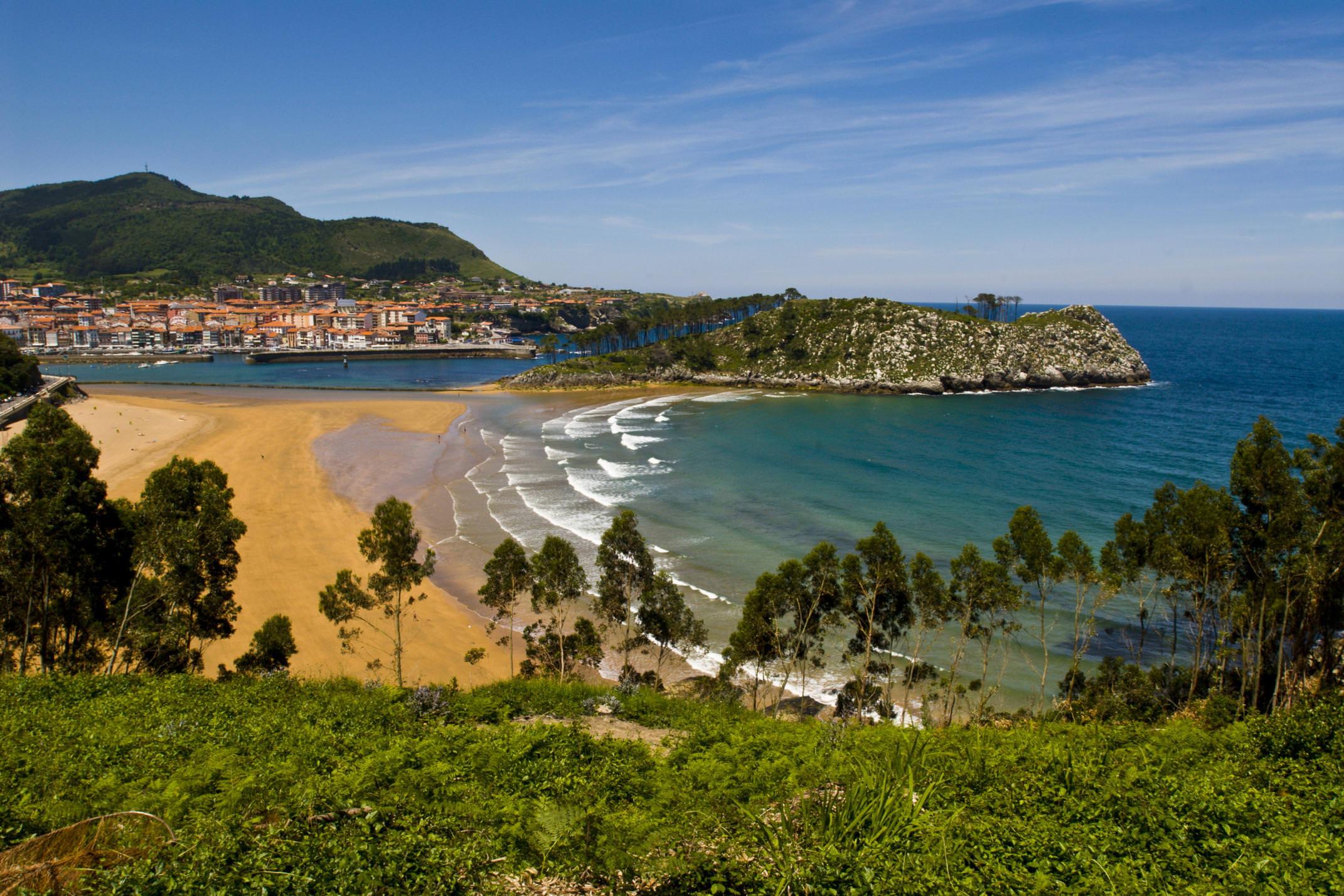 Spain vizcaya lekeitio village beach c antonio real